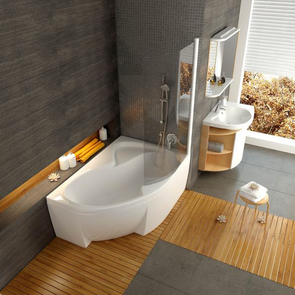Prostorná akrylátová rohová vana Rosa II, doplněná praktickou vyklápěcí skleněnou stěnou, která vanu promění vesprchovací kout (RAVAK)