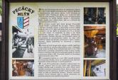 Obec Pec pod Čerchovem má jméno povysoké peci, kterou zde vroce 1652 založil Lomikarův správce Melchior zAschenbachu. Byla vprovozu až doroku 1803, kdy byla rozebrána nastavby domků sklářů adřevorubců...