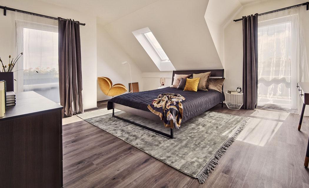 Podkrovní místnosti mají příjemnou kombinaci standardních a střešních oken. Jejich předností je velký vzdušný prostor a výhledy jak do nebe, tak do okolí. Více na www.canaba.cz.