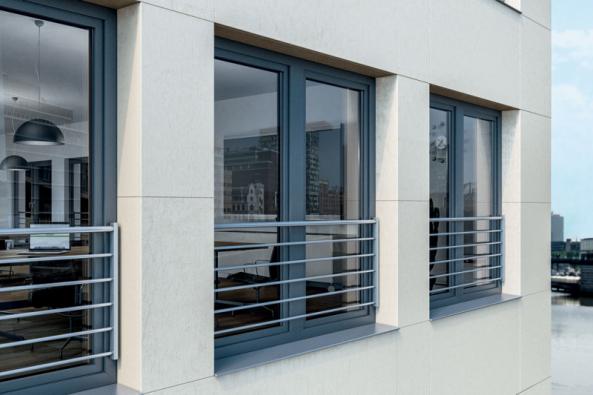 Varianta zábradlí Schüco z různých velikostí tyčí podporuje individualitu každého projektu.