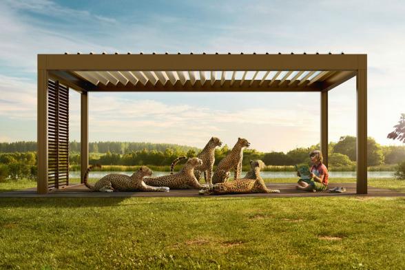 I tak běžný prvek zahradní architektury, jakým je pergola, dostává pod značkou RENSON mnohem širší užitný potenciál! Pergola už pak není jen ochranou před sluncem, ale chrání rovněž před větrem a dokonce také před deštěm! Poskytuje komfortní prostředí ktrávení volného času.