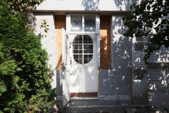 Vila na Petřinách si žádala zachování původního charakteru, majitelé si přáli ponechat styl původních skleněných výplní
