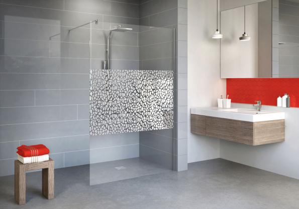 Sprchová zástěna walk-in opticky zvětší koupelnu