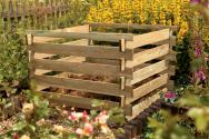 Dřevěný kompostér na zahradní odpad