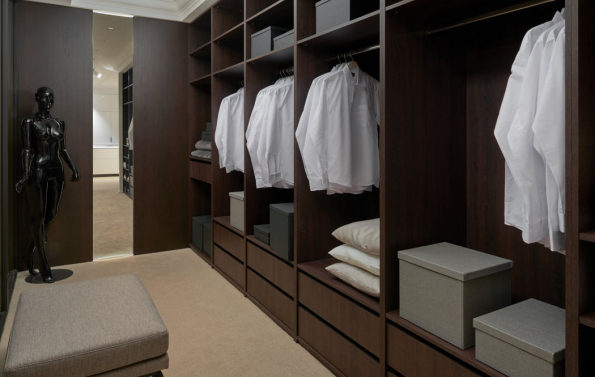 Hanák nábytek – otevřená šatna dýha (Zdroj: HANÁK)