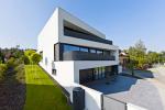 K004 Dům atypického tvaru s krásným výhledem