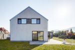 K024 Zděný dům nad údolím Berounky