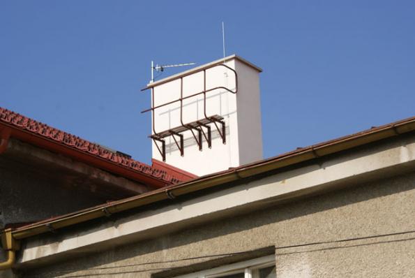 Komínová lávka na stěně komínu (Zdroj: HPI-CZ)