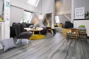 Podlaha 1FLOOR SELECT - dekor Dub Tirol Silver (Zdroj: KPP)