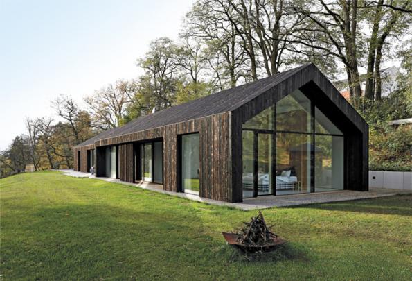 HLASOVÁNÍ ČTENÁŘŮ  Domy nad 150 m2    3. místo získal dům podle návrhu architektů Michala Kunce aAlžběty Vrabcové (sout. kód N14)