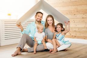 Pokud si pořizujete bydlení, musíte zvážit celou řadu aspektů. Nazačátku budete zcela jistě řešit také otázku financí. Abyl by hřích nevyužít šanci získat příspěvek odstátu vpodobě dotace nanovostavbu či rekonstrukci.