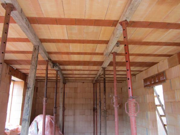 HELUZ MIAKO, zhotovení stropu (Zdroj: HELUZ)