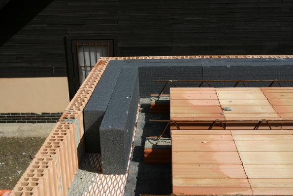 HELUZ MIAKO, zhotovení stropu, věncovky a tepelná izolace (Zdroj: HELUZ)
