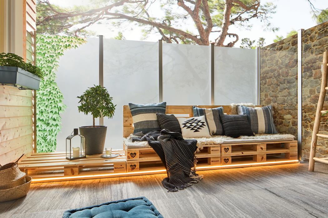Jak si vyrobit stylový nábytek z palet a beden