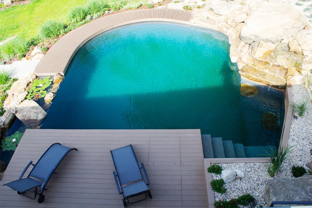 Kvalitní terasa propojí váš obývák s letním osvěžením na zahradě