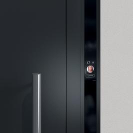 Vítěz Red Dot Design Award 2019: Schüco Door Control System s dotykovým displejem (Zdroj: Schüco CZ)