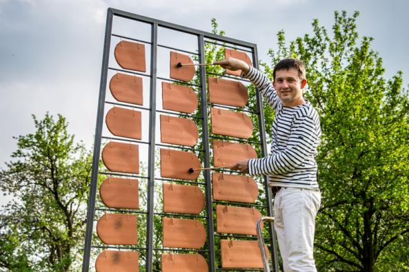 Petr Pavlinec s keramofonem (Zdroj: Wienerberger)