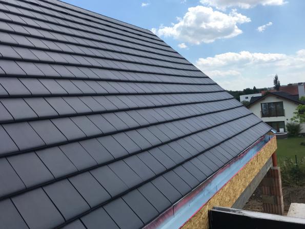Bez kvalitní tašky nemůže být dobré střechy. (Zdroj: Wienerberger)