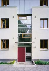 Bytový dům s okenními a dveřními PVC profily Arcade (Zdroj: Deceuninck)