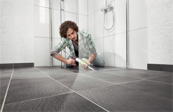 Instalace sprchového koutu (Zdroj: HORNBACH)