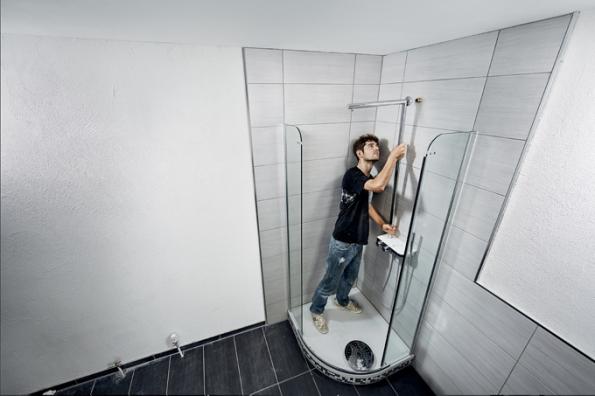 Montáž sprchové baterie (Zdroj: HORNBACH)