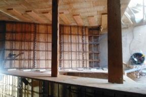 Schodiště bývá ozdobou interiéru, jeho realizace je ale náročná, vyžaduje znalosti i fortel. (Zdroj: Wienerberger)
