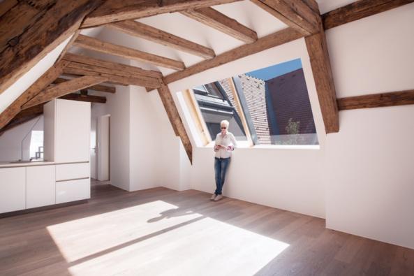 """Solara Wien: """"Kuchyně, pracovna i ložnice v podstřeší mohou být stísněné, anebo parádní, oblíbené, vzdušné.""""  (Zdroj: Solara)"""