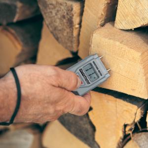 Měřič vlhkosti dřeva Pattfield (Zdroj: Hornbach)