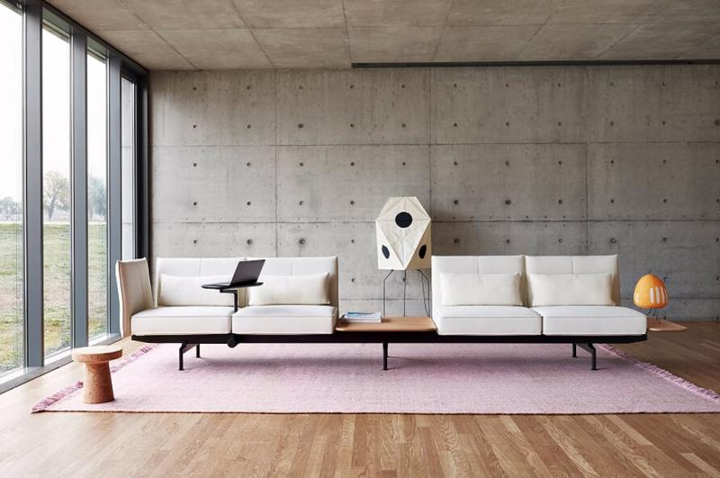 švýcarská značka Vitra na designbloku uvedla modulární systém softwork britského studia Barber&Osgerby
