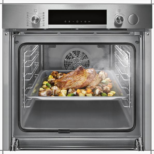Využívání páry při pečení je stále oblíbenější. Pečivo, maso i zelenina jsou křupavější, zároveň se ale nevysuší. Značka Bosch nyní uvádí dva nové modely trub řady Serie l 6 s funkcí přídavné páry AddedSteam. Ve výbavě nechybí ani automatické programy, díky kterým i méně zkušení kuchaři zvládnou hravě připravit dokonalou hostinu. A praktické je také tlumené otevírání a dovírání dvířek SoftMove. (Zdroj: Bosch)