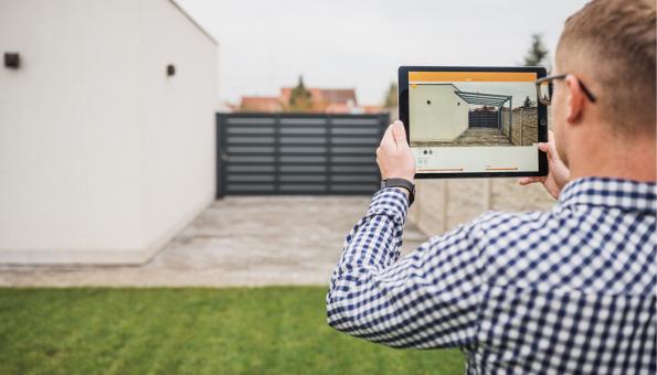 Už nemusíte jen odhadovat, jaký model pergoly, barva a rozměry budou do vašeho exteriéru to pravé. Díky moderním technologiím si nyní můžete pergolu nejdříve vyzkoušet pomocí rozšířené reality. Speciální Sun System aplikace je určena pro chytré telefony, ale také pro tablety (Zdroj: Sun System)