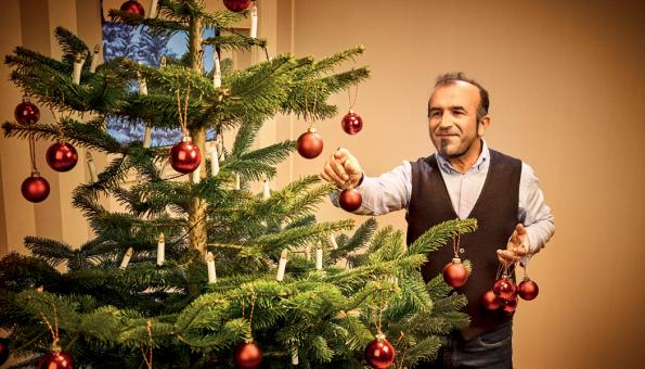 Zdobení vánočního stromku (Zdroj: Hornbach)