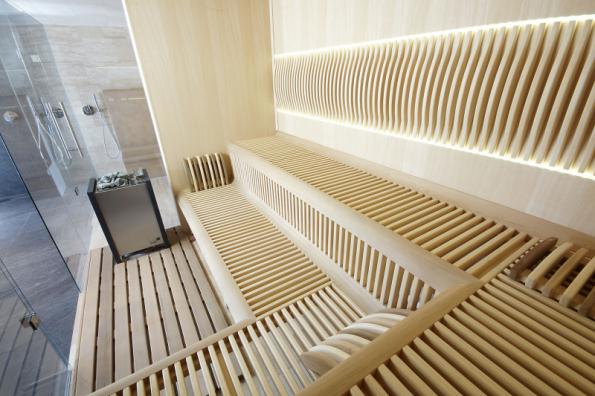 Luxusní sauna Future pro náročné je napěchovaná technologiemi, s nápaditým a funkčně vypracovaným interiérem a výrazným exteriérem, nekompromisní po všech stránkách. Sauny Future se vyrábějí v ČR z kvalitních materiálů a německých a rakouských technologií (SAUNASYSTEM)