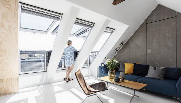 Trendem v prosvětlování interiéru je vetší prosklená plocha, automatizace a snadné ovládání (Zdroj: VELUX)