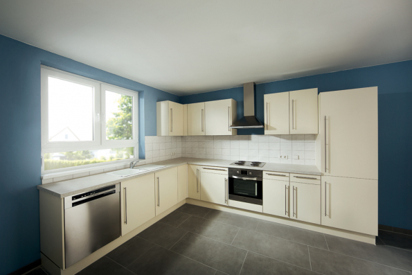 Kuchyně před renovací (Zdroj: Hornbach)