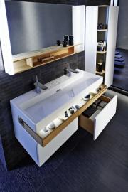 Terrace, set dvojumyvadla se závěsnou skříňkou, nabízí 3 objemné plnovýsuvné zásuvky. Rozměry 1 200 x 480 x 380 mm, umyvadlo 1 200 x 490 mm, více na www.koupelny-ptacek.cz