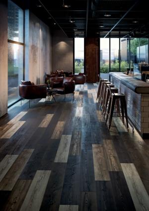 Ekologická podlaha Wineo PURLINE 1500, kolekce Wood L, dekor Borovice Golden Mixed (Zdroj: KPP)