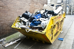 Neodmyslitelnou součástí moderního přístupu kživotu je snaha o udržení životního prostředí vtakovém stavu, aby život vněm byl co nejzdravější. Významným projevem ekologického životního stylu je i způsob, jak lidé nakládají sodpady. Nejmodernějším současným trendem je snaha o minimalizaci množství komunálního odpadu a maximalizaci třídění odpadu a jeho následné recyklace. (Zdroj: KAISER+KRAFT)