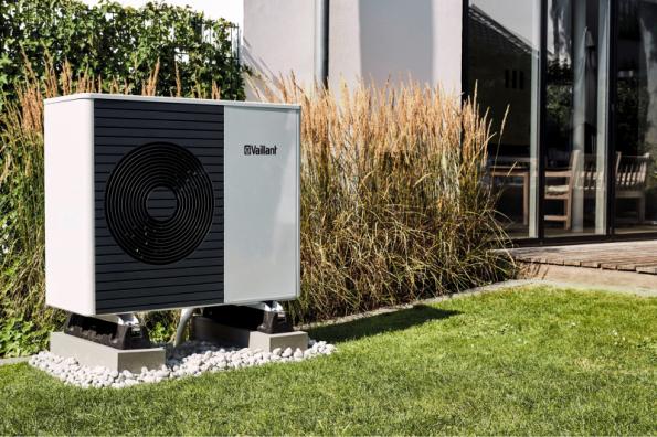 Novinkou je i tepelné čerpadlo Vaillant aroTHERM Split vzduch/voda s technologií odděleného chladivového okruhu, které nabízí vysokou účinnost ve více výkonech (od 3 do 12 kW)