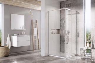 """Prostornou koupelnu lze zajímavě členit sprchou v centrální poloze. Chce to elegantní """"kousek"""". Na fotografii je rámový sprchový kout Blix Slim 80 x 90 cm s rohovými posuvnými dveřmi (RAVAK)"""