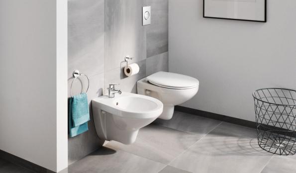 Závěsné WC a bidet ze série GROHE Bau Ceramic posílí iluzi prostoru ve vaší koupelně a značně usnadní její údržbu (GROHE)