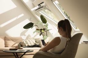 Moderní technologicky vylepšená střešní okna VELUX s izolačním trojsklem zajišťují dostatečný tepelný komfort jak v létě, tak v zimě