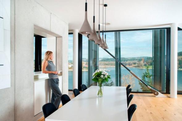 Vedle schopnosti domů uchovávat teplo, jsou žádané i další kvality. Prvořadě zdravé prostředí uvnitř budov (zdroj: BEAM)