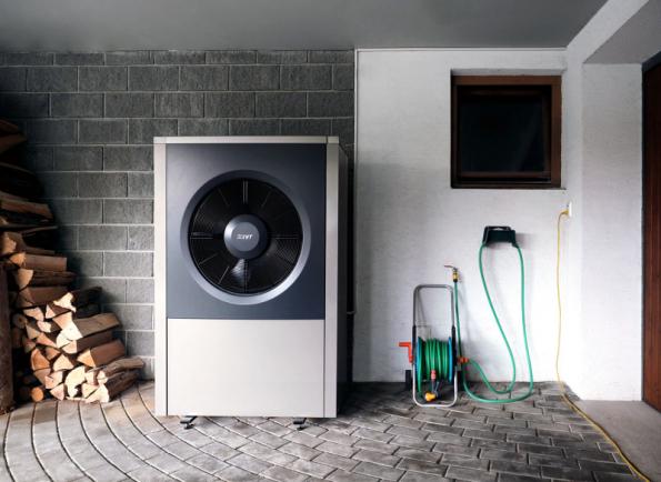 Montáž tepelného čerpadla IVT AIR X 90 typu vzduch/voda s topným faktorem SCOP 4,65 je snadná a jeho provoz je opravdu tichý (53 dB), takže o něm ani nebudete vědět