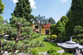 Zahradu japonského typu si může vytvořit téměř každý, kdo má smysl pro řád a harmonii. Ale chcete-li být opravdu důslední, bez spolupráce s odborníky se neobejdete
