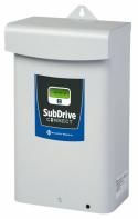 Regulátor SubDrive od Franklin Electric pro udržení konstantního tlaku vody (vlevo), velmi spolehlivé hlubinné 4´´ čerpadlo Pumpa AD pro vrty až do 250 m s motorem vyrobeným v ČR (PUMPA. CZ)