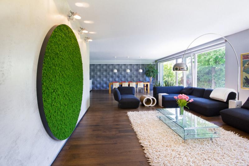 Mechové stěny a obrazy dopřejí vašemu interiéru harmonický kousek přírody