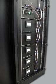AES 10 je akumulační energetická stanice o výkonu 10 kW s kapacitou úložiště 11,5 kWh. Jde o modulární systém, kdy kapacita této verze bude jednoduše i dodatečně rozšiřitelná až na kapacitu 22 kWh (FENIX)