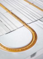 Trubka REHAU RAUTHERM se vyznačuje speciálním potrubím, které není vyrobeno z obyčejného plastu, ale z hi-tech materiálu, síťovaného polyetylenu PE-Xa, který je vysoce pevný a odolný (zdroj: REHAU)