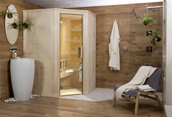 Koupelnová studia SIKO nabízejí koncept domácí wellness koupelny s finskou saunou Mini Harvia v různých provedeních. K ní se krásně hodí organicky tvarované umyvadlo Il Bagno Alessi a bezbariérový sprchový kout s hlavovou sprchou. Atmosféru dotvoří obklady a dlažby s dekorem dřeva